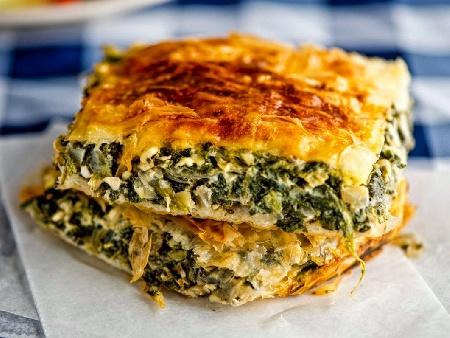 Баница / бюрек с готови одрински кори с лапад и сирене - снимка на рецептата